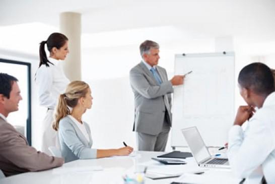 مدیر مالی کیست و کجا کار می کند ؟