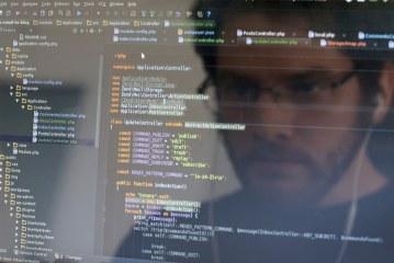 کار برنامه نویس کامپیوتر چیست؟