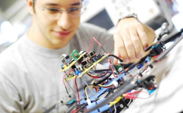چگونه مهندس برق شوم؟ شخصیت مناسب مهندس برق کدامست؟
