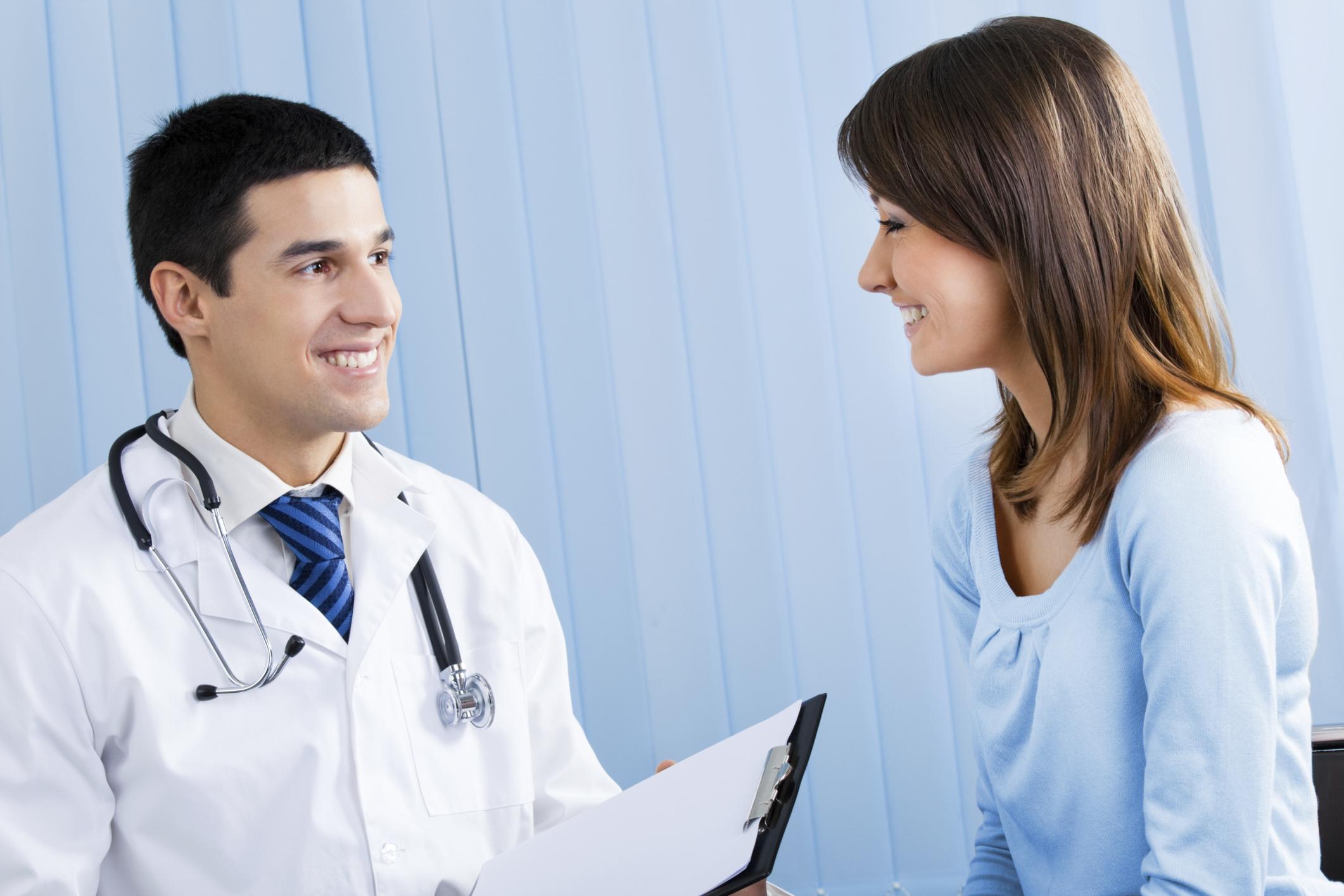پزشک کیست و چه کاری انجام می دهد؟