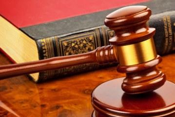 وضعیت کاری و درآمد وکیل و تیپ شخصیتی مناسب برای شغل وکالت