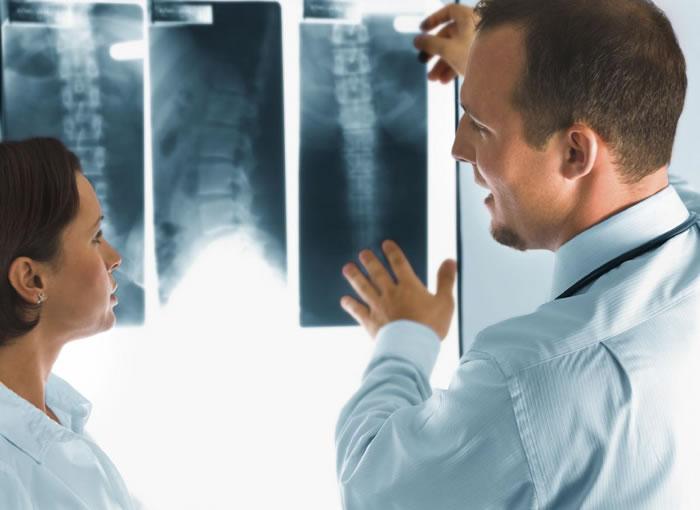 کار رادیولوژیست ( کارشناس پرتو شناسی یا پرتو شناس ) چیست؟