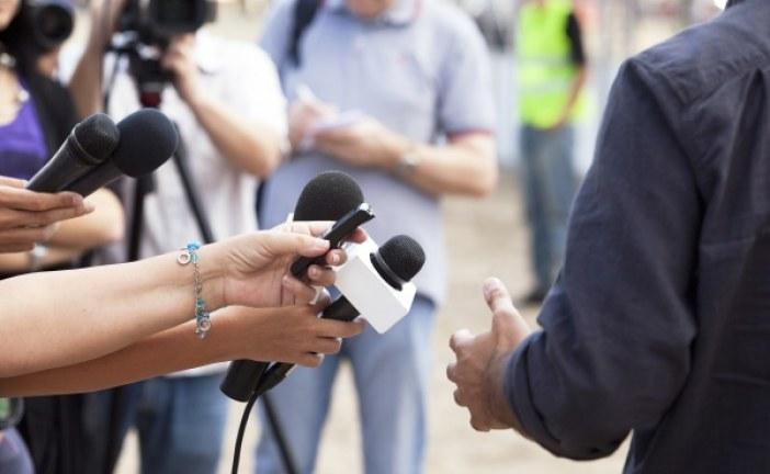 درآمد و استخدام کارشناس روابط عمومی