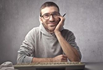 بازار کار و درآمد برنامه نویس کامپیوتر