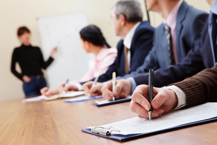 حقوق و استخدام کارشناس آموزش