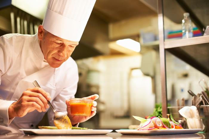با کار آشپز ، وظایف او و شخصیت مناسب این شغل آشنا شوید.