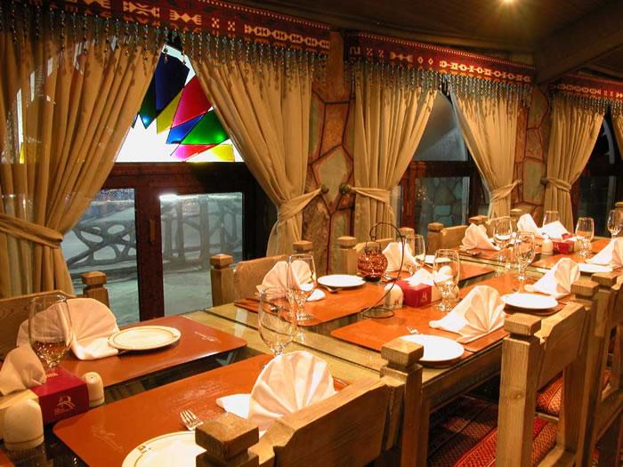 درباره کار مدیر رستوران ، وظایف و شخصیت مناسب شغل او بیشتر بدانید